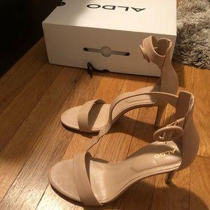 cbdcd396558 Like new Aldo Yenalia strappy nude heels!